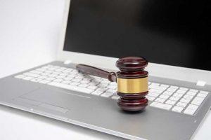האם מידע באינטרנט הוא תחליף ליעוץ משפטי מסודר?